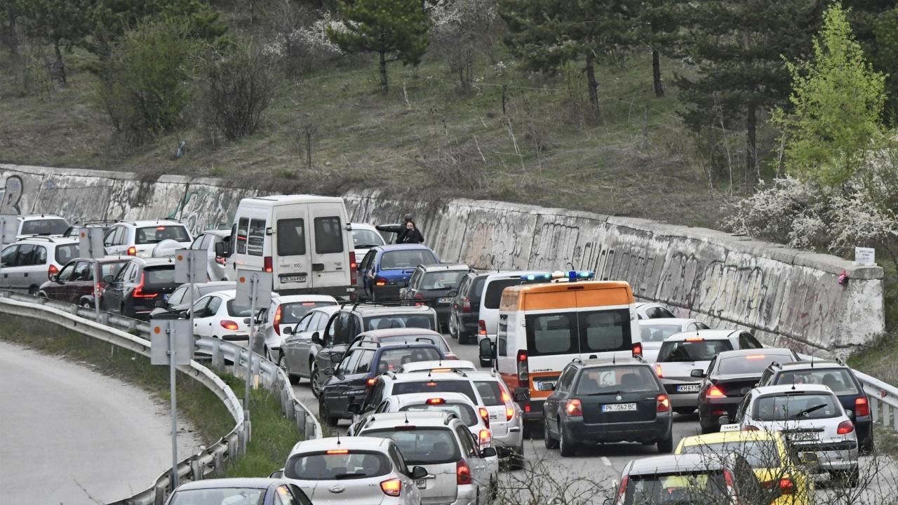 Въвеждат зони с ниски емисии, налагат солени глоби за шофьорите нарушители