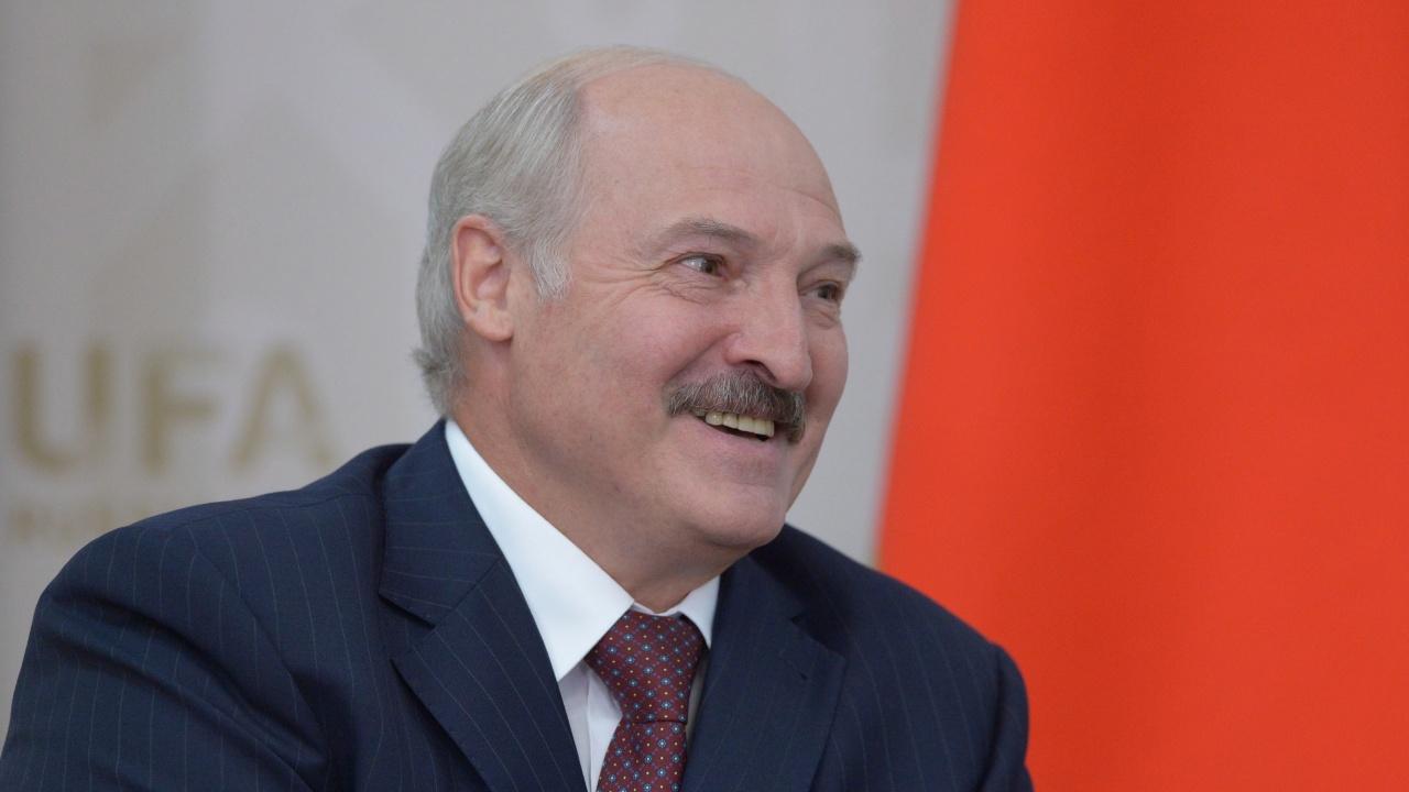 Лукашенко: Разработваме ваксина