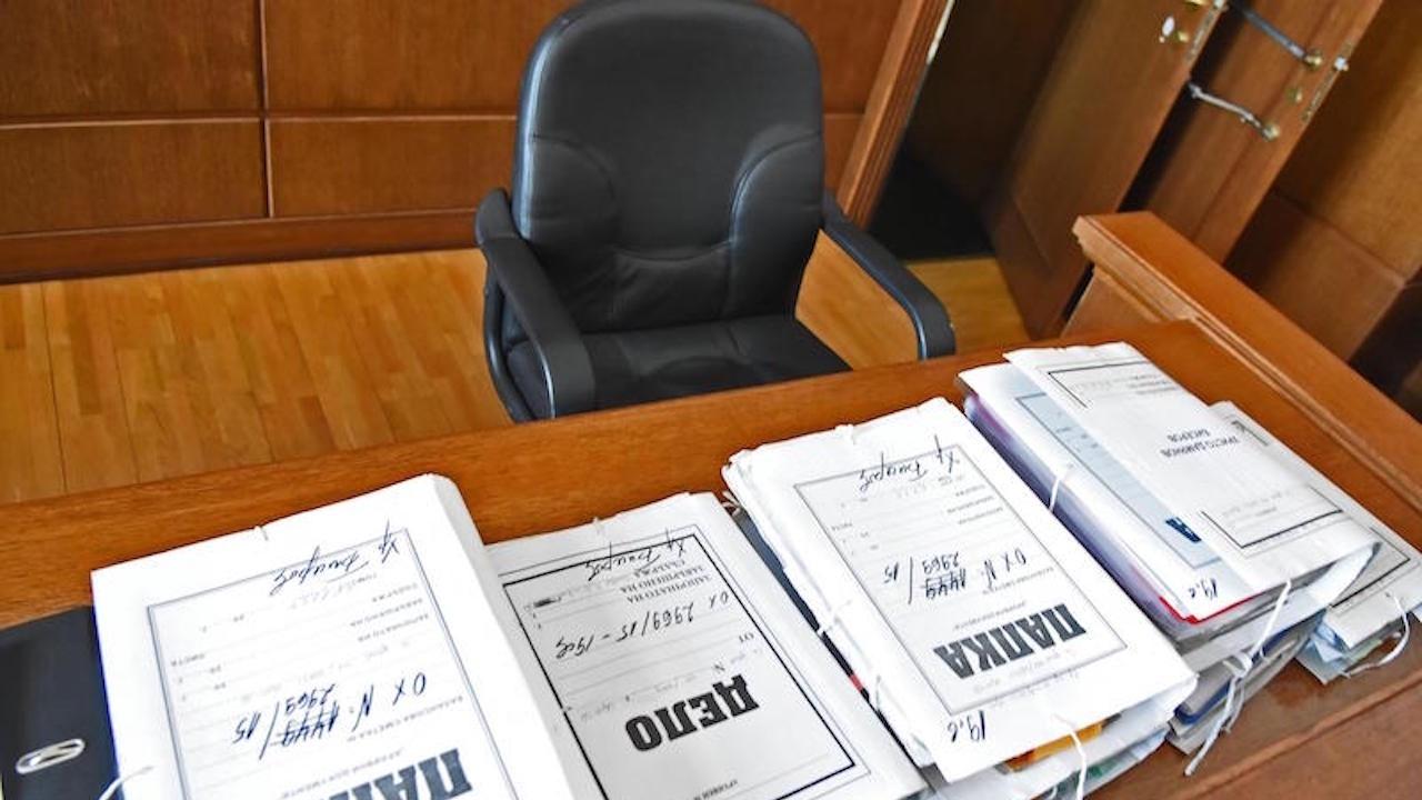 Мъж отива на съд в Русе за шофиране без книжка