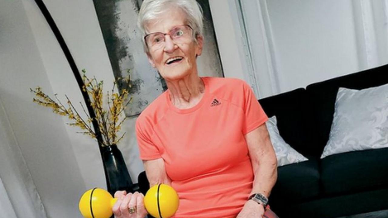 Баба стана фитнес звезда в Тик Ток