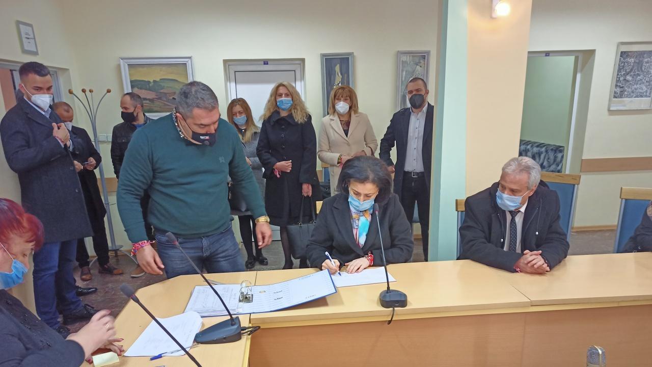 ГЕРБ-Сливен регистрира листата си с кандидати за депутати, Десислава Танева е водач