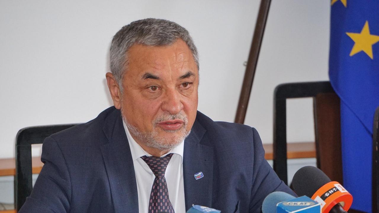 Валери Симеонов посреща държавния секретар на Унгария и знакови лица на българската общност там