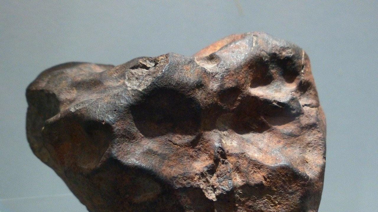 Фермер продаде метеорит, паднал в нивата му, за 180 хиляди долара