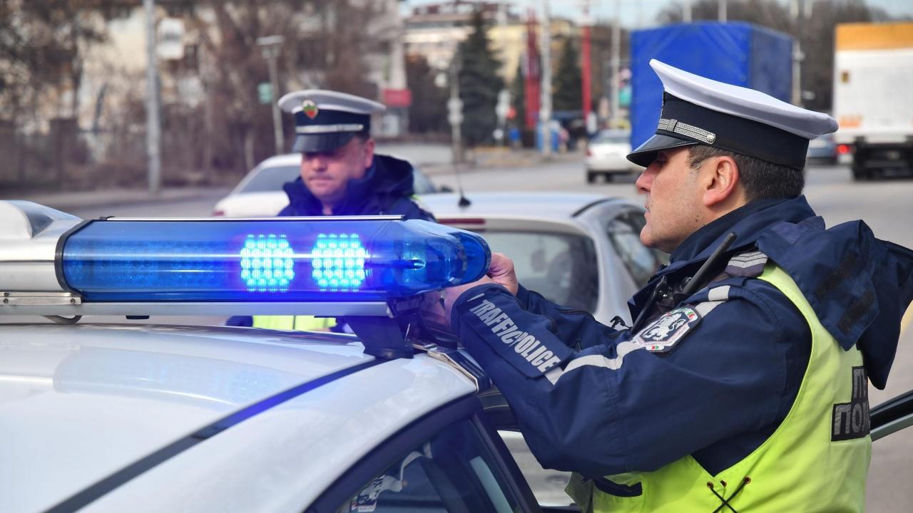 """""""Пътна полиция"""" погва шофьорите без колани"""