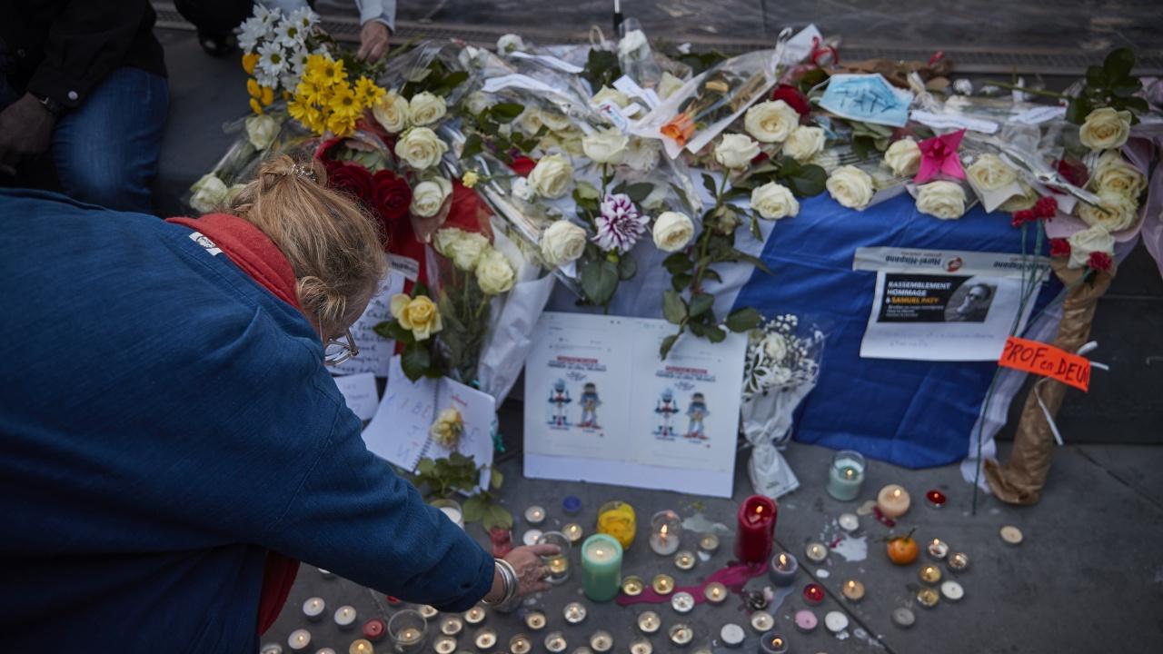 Лъжа на ученичка предшествала смъртта на френския учител Самюел Пати