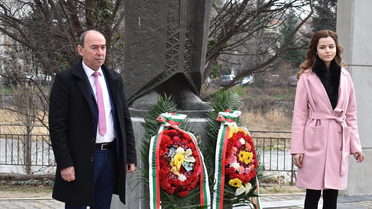 Зам.-кметът на Асеновград: Цар Иван Асен II ни направи наследници на достойни дела