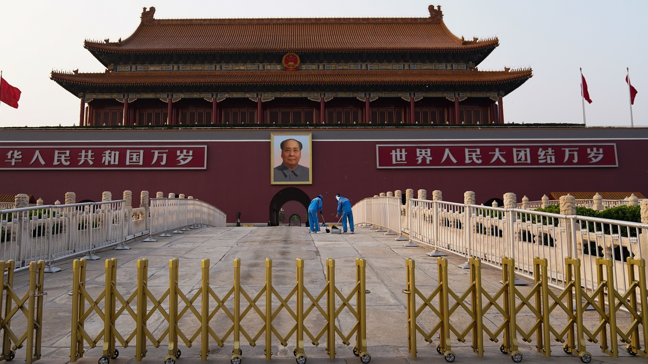 Китай затегна контрола над Хонконг