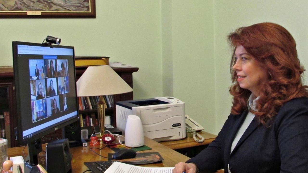 15-годишната Анастасия: От вицепрезидента Йотова научих, че по-важни от посочването на проблемите са предложенията за решаването им