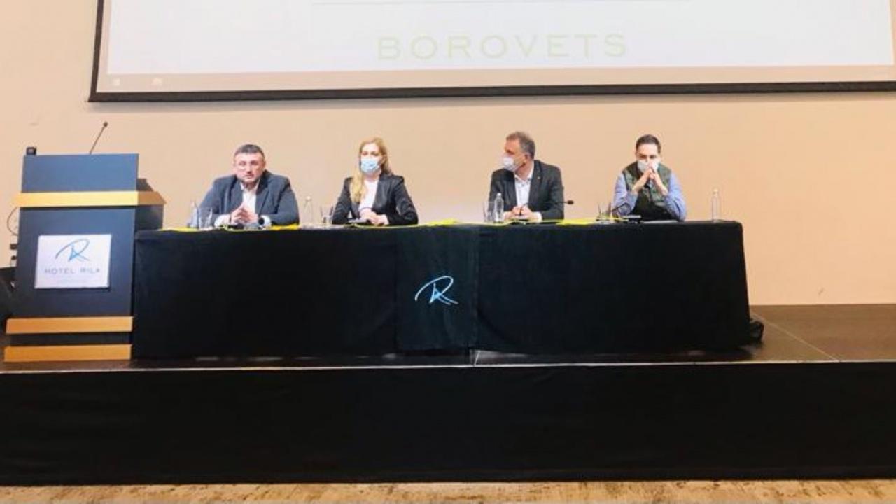 Младен Маринов и Николина Ангелкова представиха програмата на ГЕРБ пред туристическия сектор в Боровец