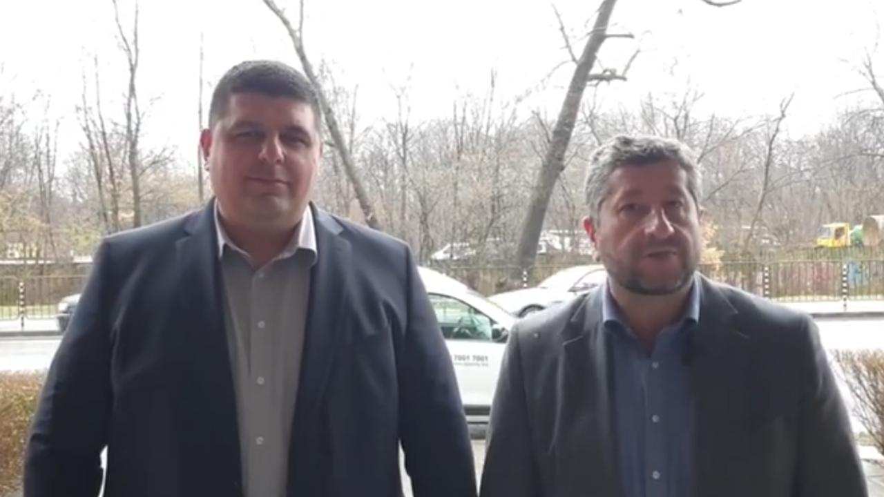 Демократична България спечели делото за видеоизлъчване на броенето на бюлетините