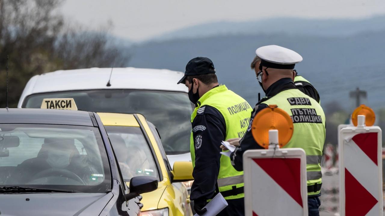 Масирана полицейска операция тече в София