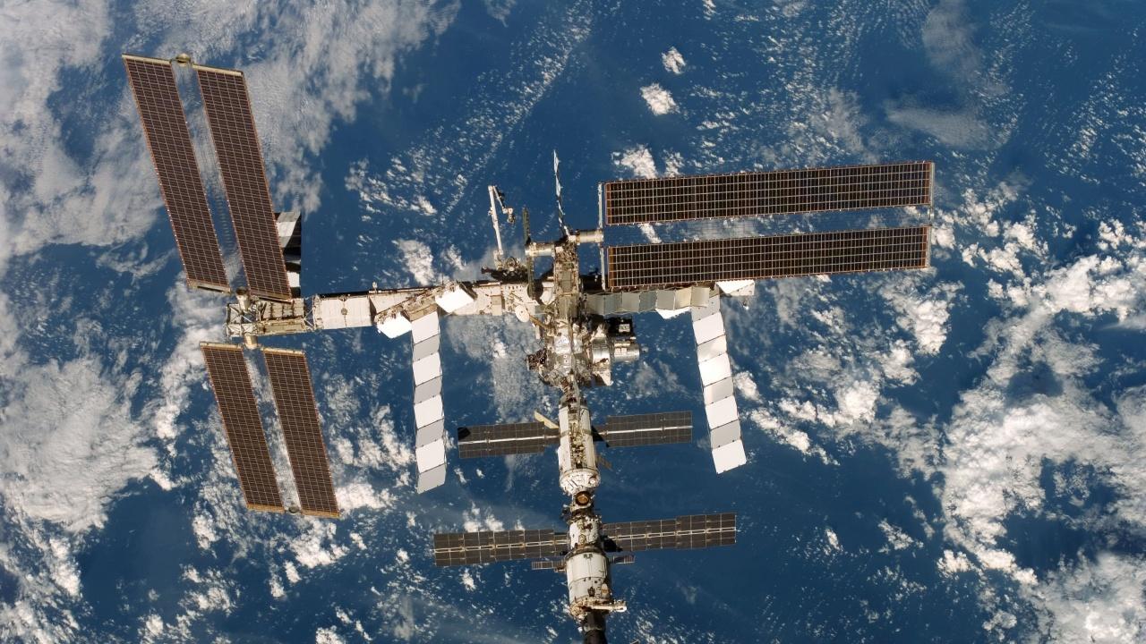 Френски астронавт ще отглежда слуз на МКС