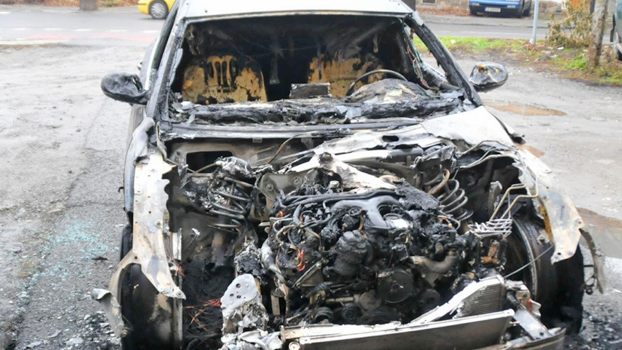 Запалиха автомобил в Благоевград