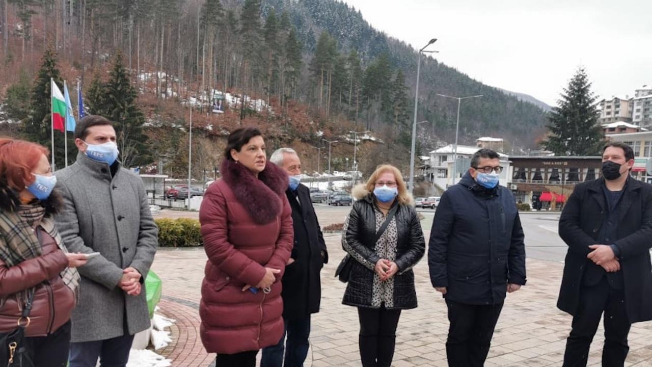 Д-р Даниела Дариткова към жители на Баните: България е на прав път, подкрепете ни, за да довършим започнатото
