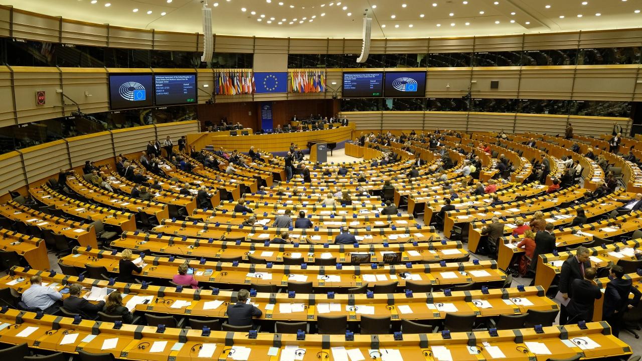 Европарламентът гласува доклада за напредъка на РСМ и Албания по пътя им към ЕС