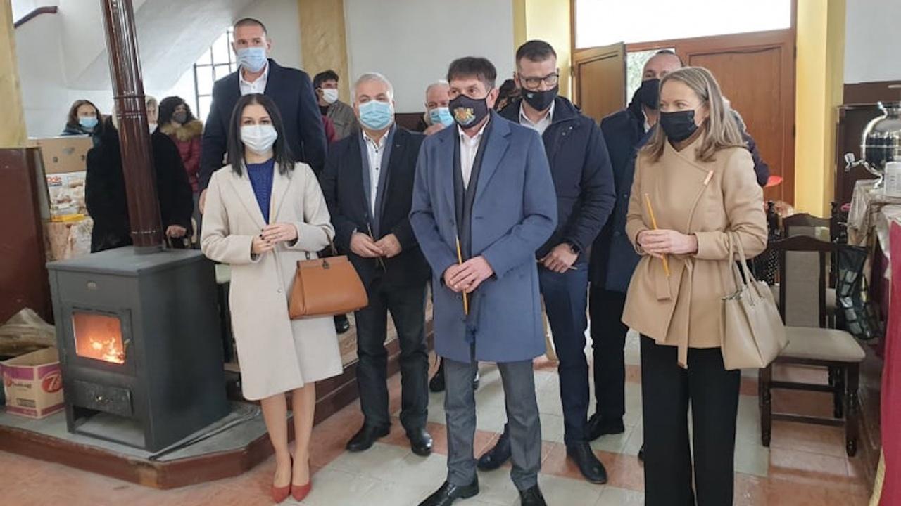 Водачът на листата на коалиция ГЕРБ – СДС в 17 МИР Дани Каназирева и кандидати за народни представители посетиха село Тополово, Асеновградско