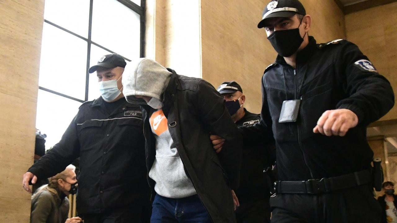 Обвиненият за шпионаж полк. Петър Петров остава в ареста