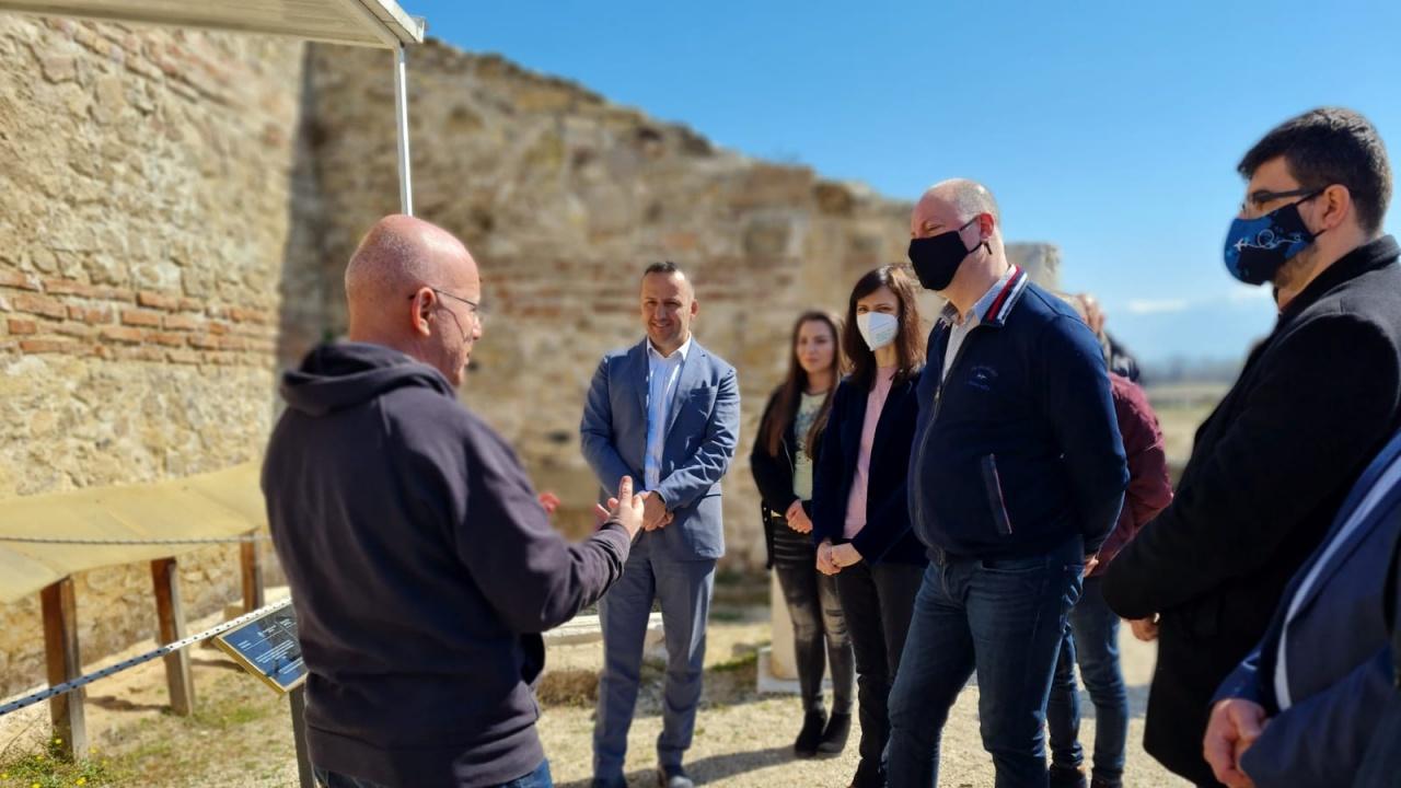Желязков: Инвестициите в инфраструктурата дават възможност за достъп до големи архитектурни обекти като Хераклея Синтика