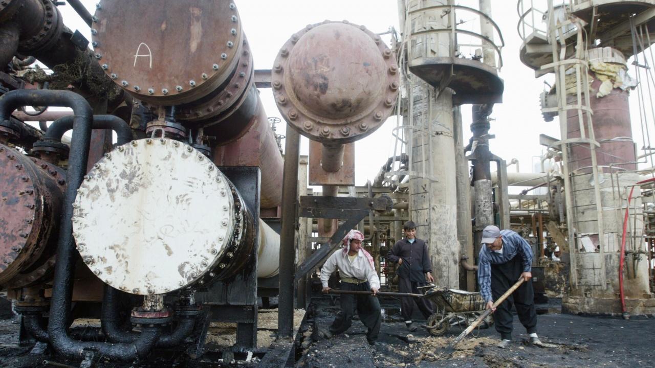 Сирия е пред недостиг на гориво заради блокадата на Суецкия канал