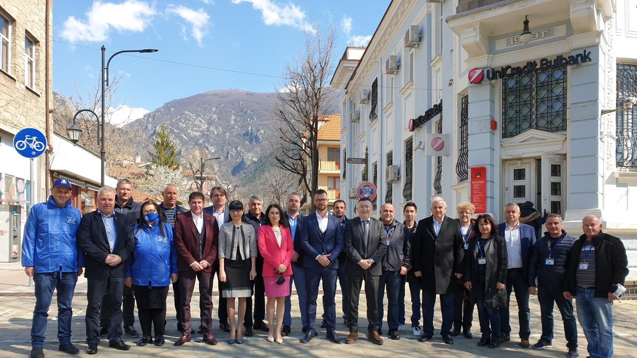 Кандидатите за депутати от листата на ГЕРБ/ СДС за Пловдив област се срещнаха с кметове на  села в Карловско