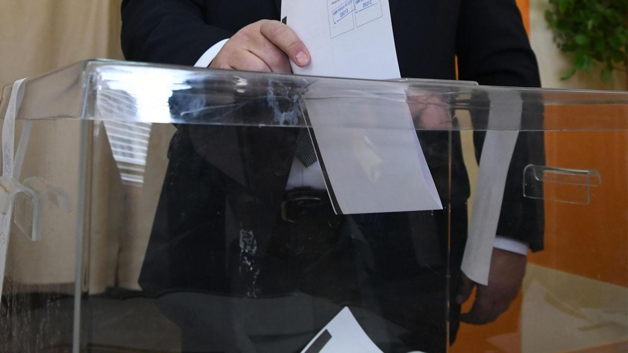 """""""Афис"""": 7 партии влизат в следващия парламент. ГЕРБ водят"""