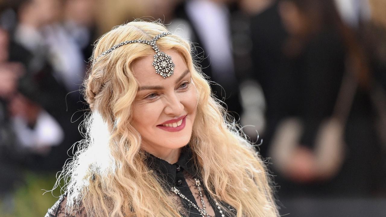 Мадона откраднала тяло на 23-годишна, за да рекламира свой албум