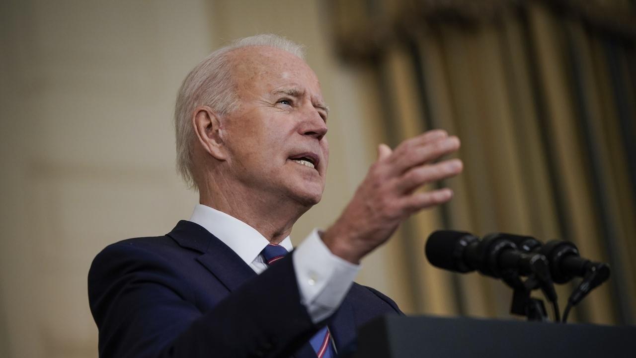 Байдън използва крехкото си мнозинство в Конгреса, за да играе на едро в началото на мандата си