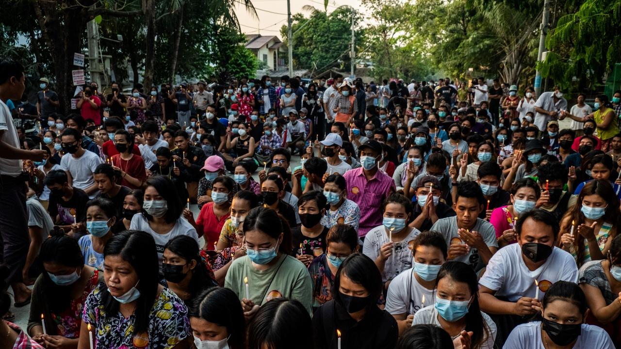 Петима души бяха убити в Мианма при стрелба на силите за сигурност срещу протестиращи