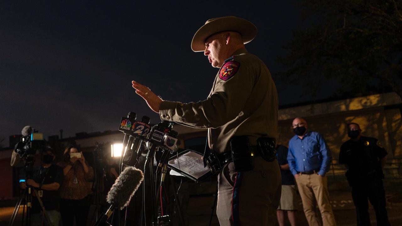 Стрелба в мебелна къща в Тексас, има убити