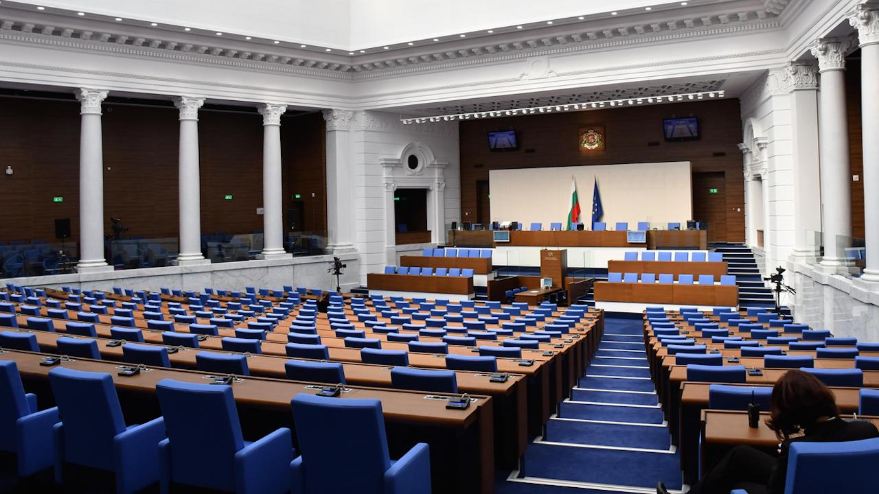 14 избрани за депутати се отказаха от място в парламента - най-много са от ДПС