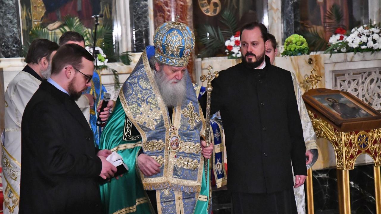 Патриарх Неофит е в болница