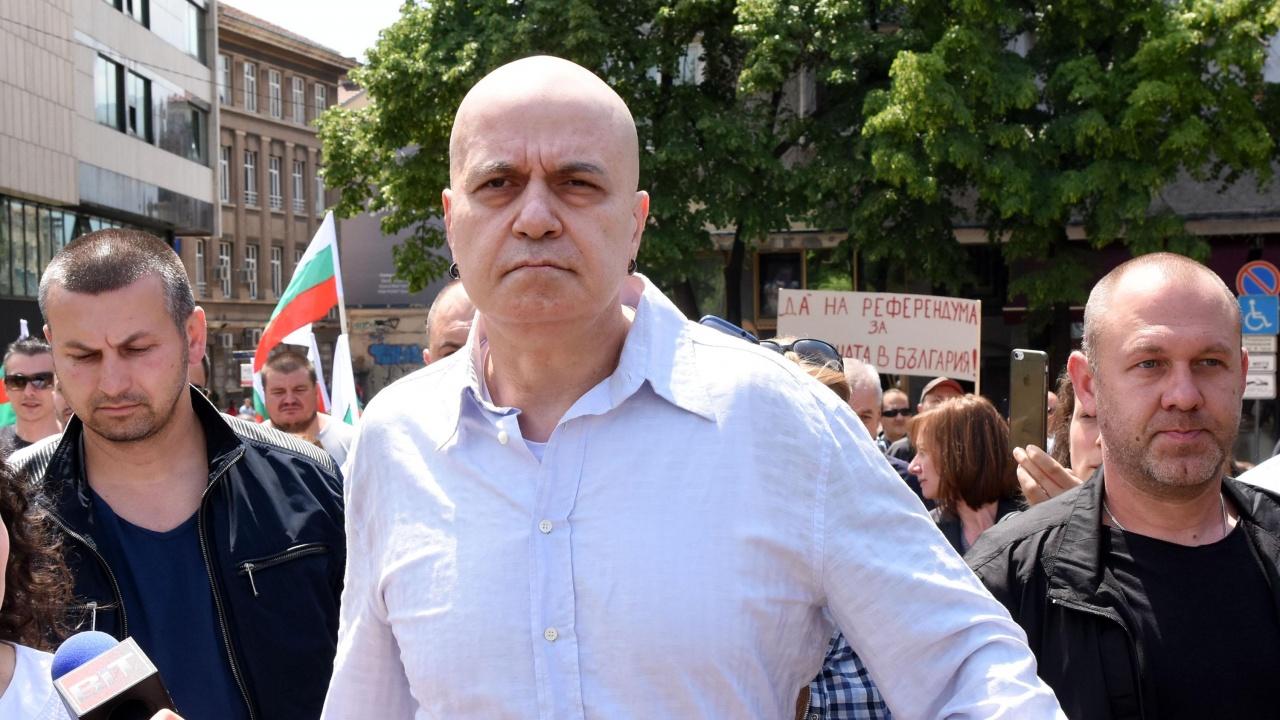 Слави Трифонов отвърна на ГЕРБ: Всичко по реда си