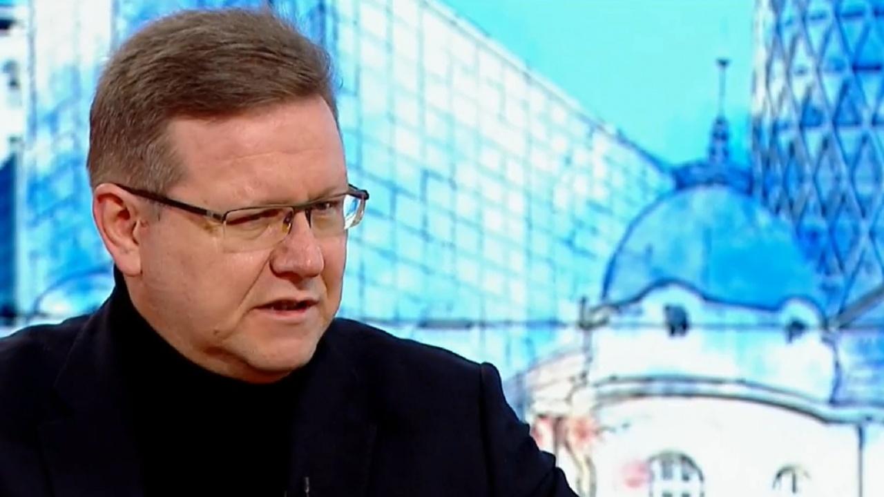 """Явор Дачков: Слави Трифонов влезе в политиката като в бизнес. Той е """"поставено лице за поръчки""""."""