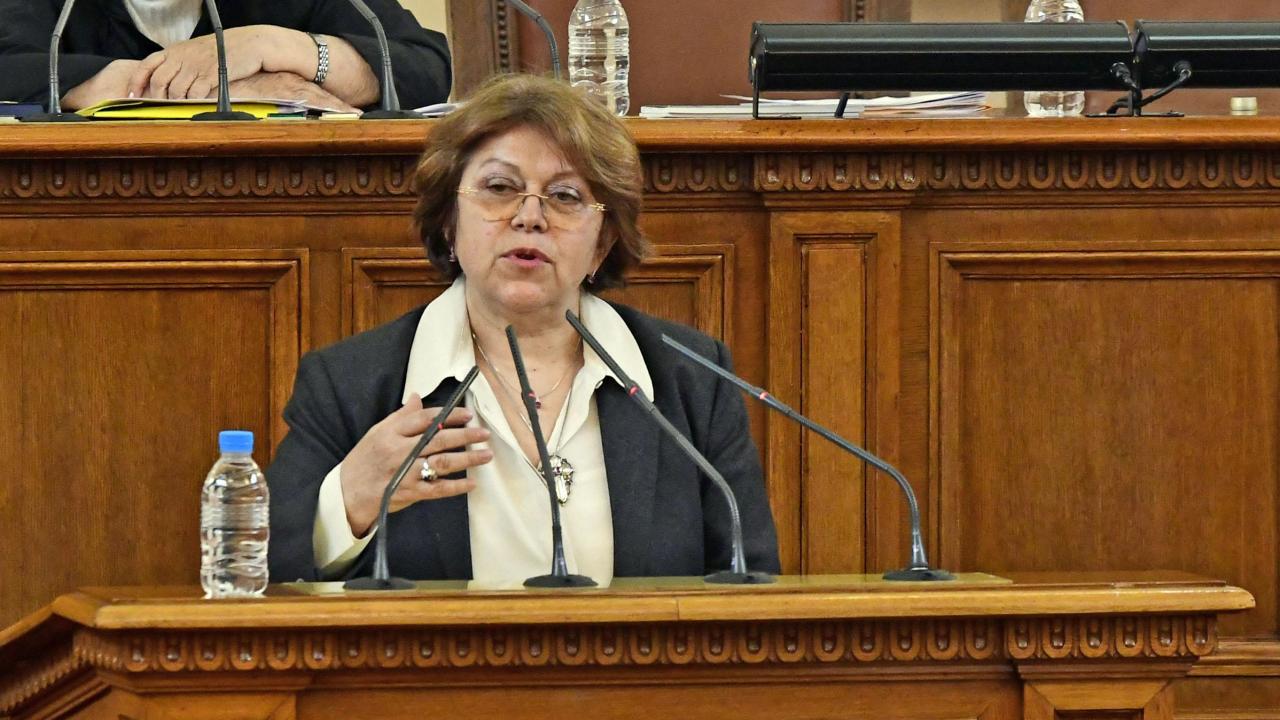 Татяна Дончева: Борисов замества Тити Папазов, да остави на жените да плачат