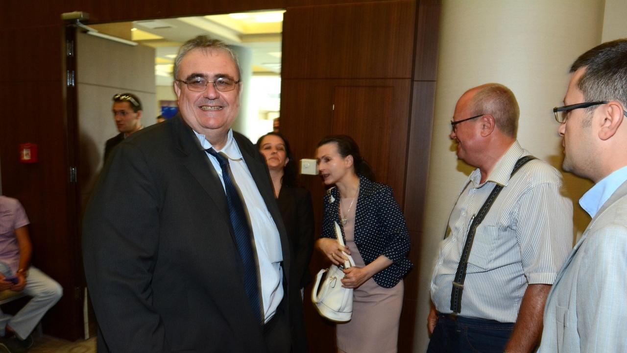Огнян Минчев: Такава примитивна злоба и простотия в парламента не е имало и през 90-те