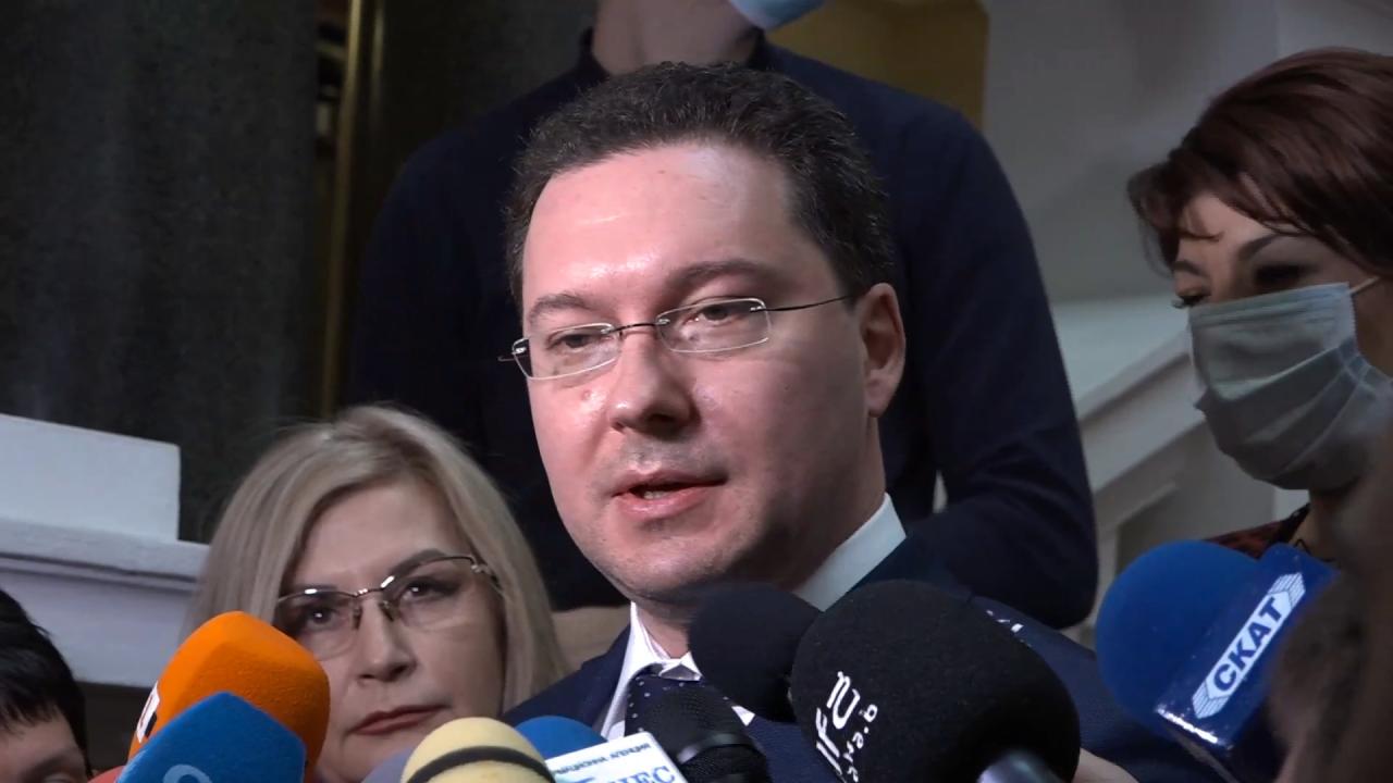 Даниел Митов разкри ще върне ли мандата и обяви: Останалите партии в НС са превзети от задкулисието