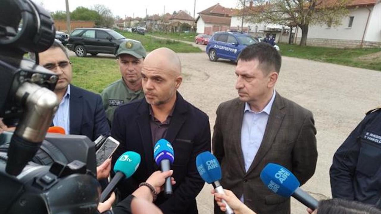 """Министър Терзийски: Благодаря на колегите от ГД""""ЖСОБТ"""" и от ОДМВР Враца"""
