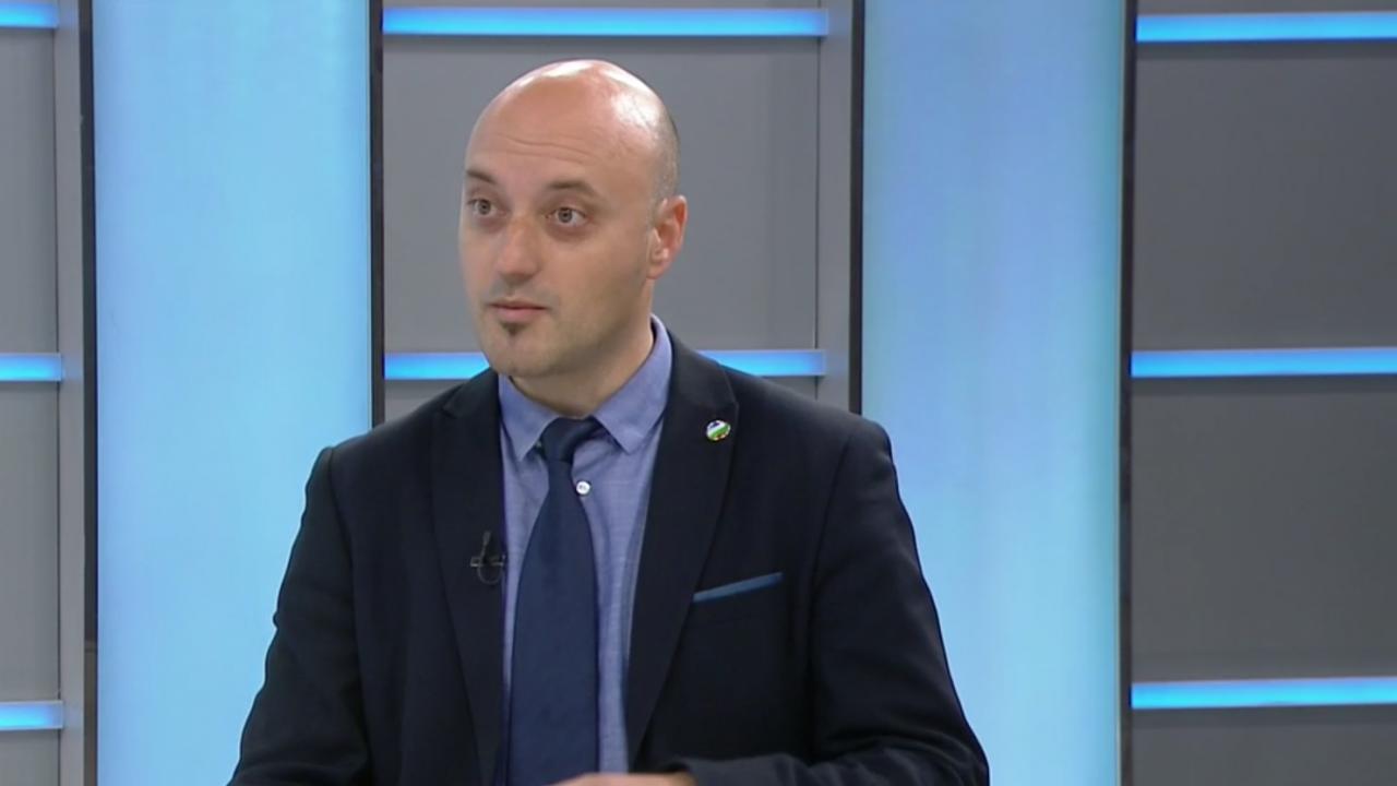 Депутат от ДБ: Гласуване по пощата има от XIX век и това, че още не сме го въвели показва, че сме изостанали драстично