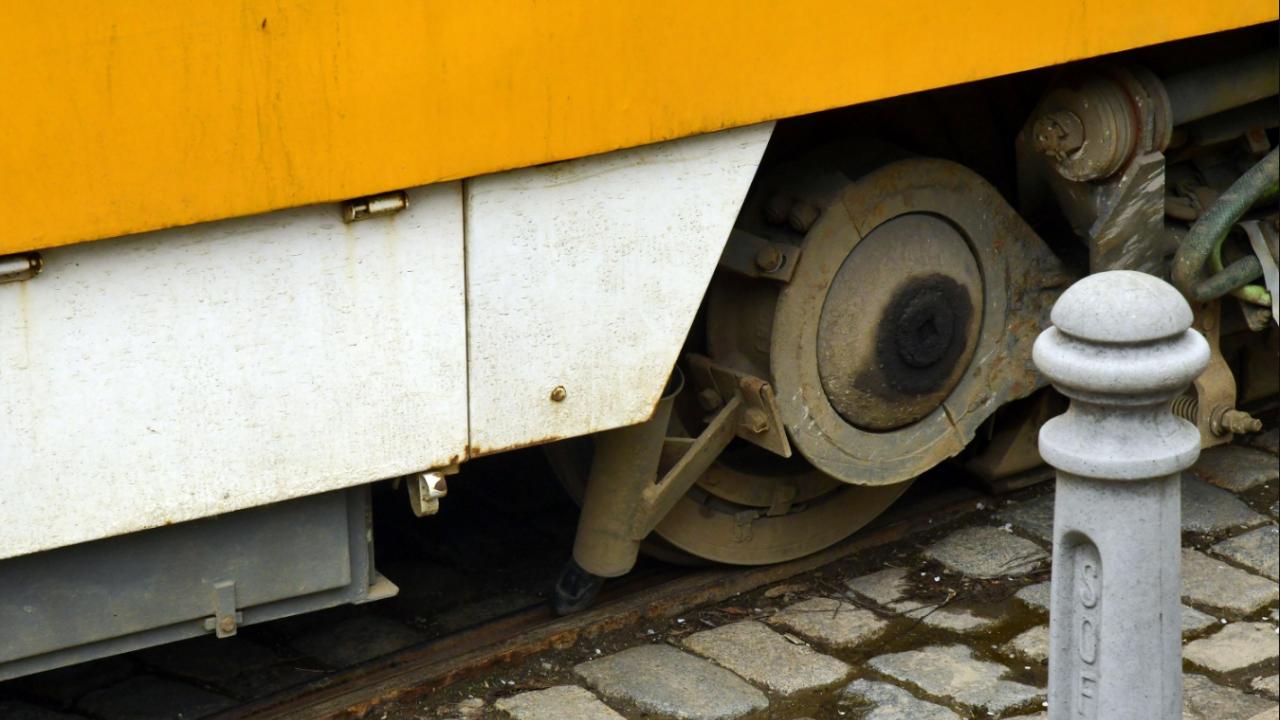 Въвежда се организация на движението за ремонт на релсовия път по маршрута на трамвайна линия № 8