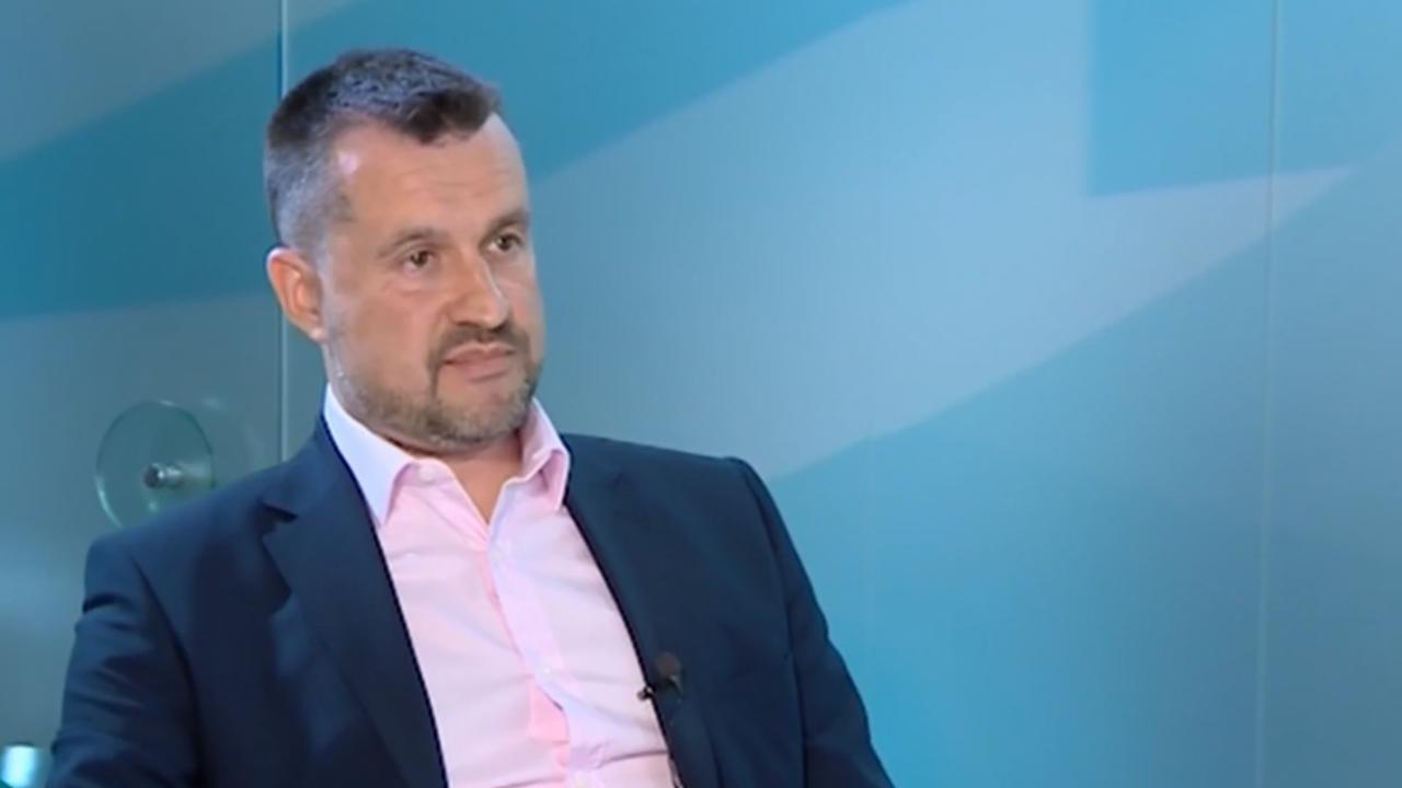 Калоян Методиев: Сегашният парламент е пародия, новите депутати се изложиха отвсякъде
