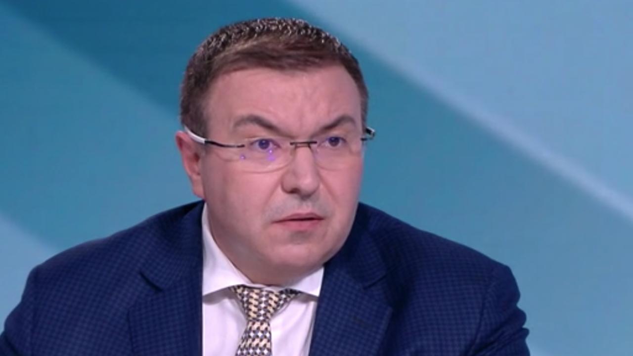 Проф. Ангелов за партията на Слави: Станаха за резил