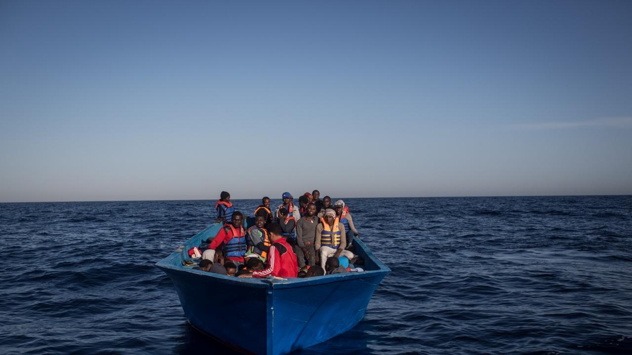 Най-малко 17 мигранти са загинали в опит да достигнат до Канарските острови