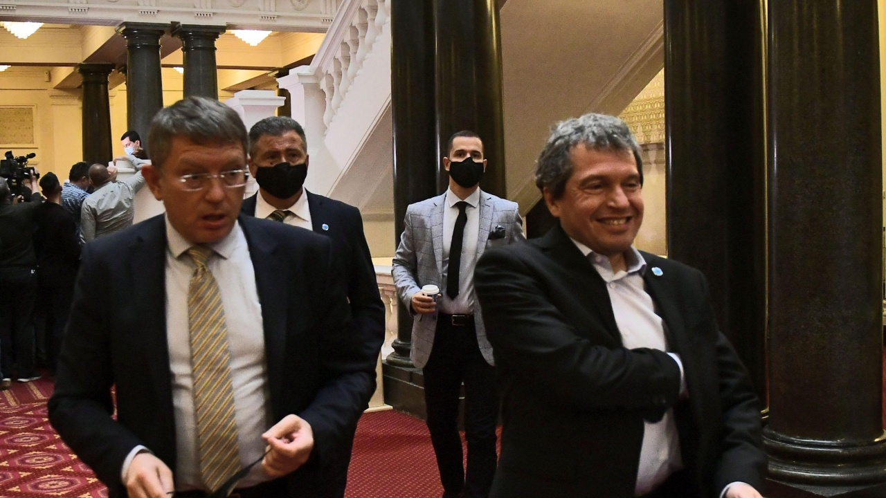 Обрат: ИТН първо се отказаха, а сега отново искат гласуване по пощата в чужбина