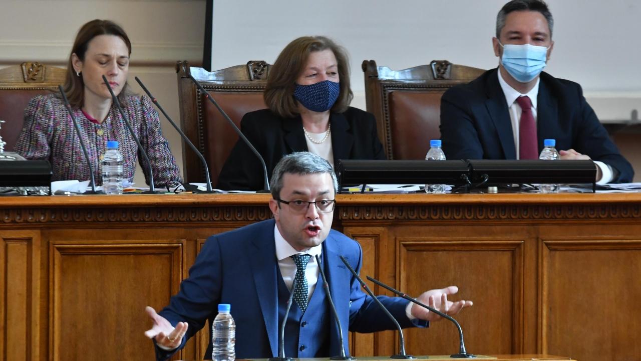 Тома Биков към ИТН: На кого клякате от Братството на подчинените?
