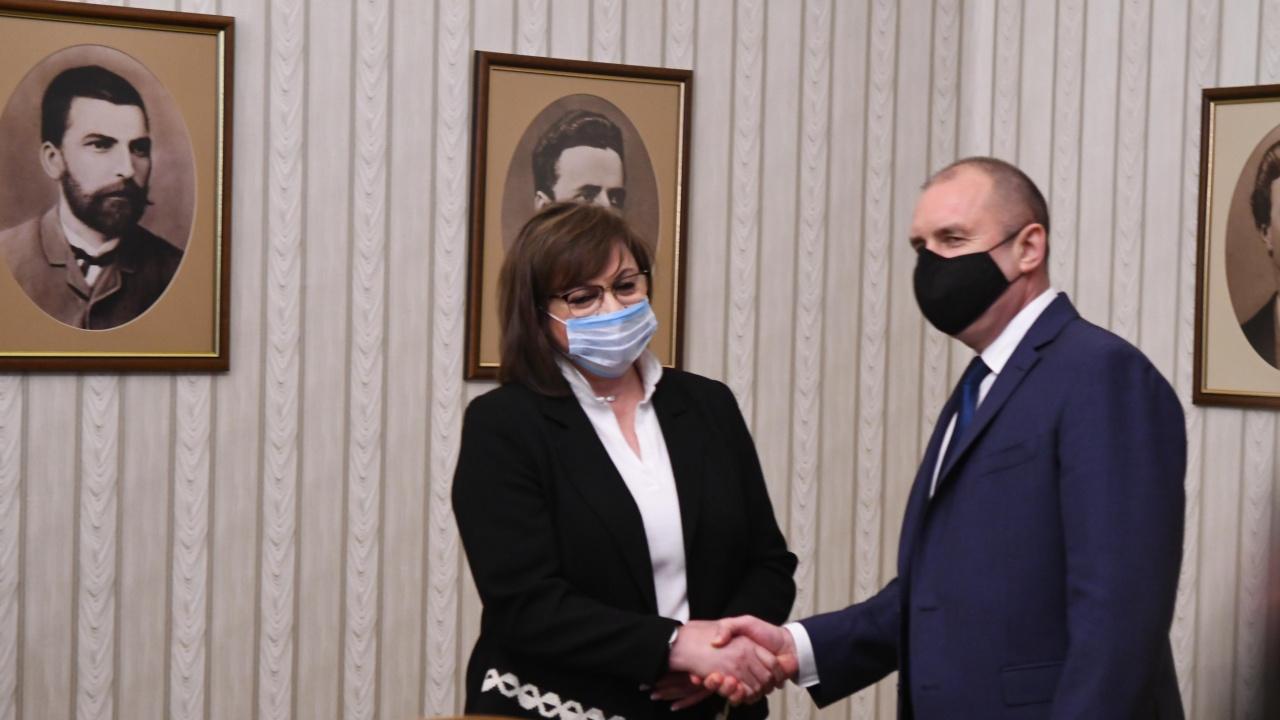 """Президентът Радев връчва мандат за съставяне на правителство на """"БСП за България"""""""