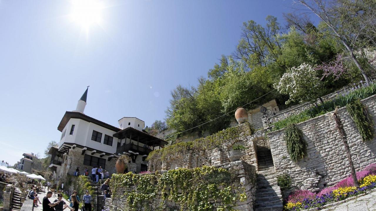 """В Балчик се подготвя въвеждането на """"синя зона"""", за да се облекчи трафикът през лятото"""