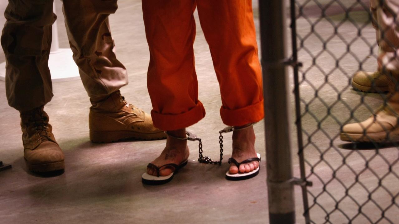 Педофил пострада много лошо още в първите си минути престой в затвора