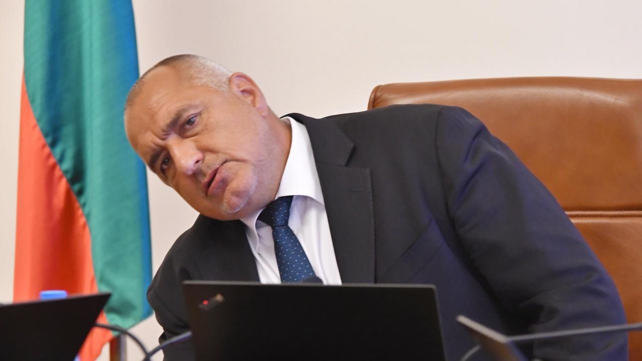 Борисов е в болничен, министрите в отпуск и никой няма да дойде в НС