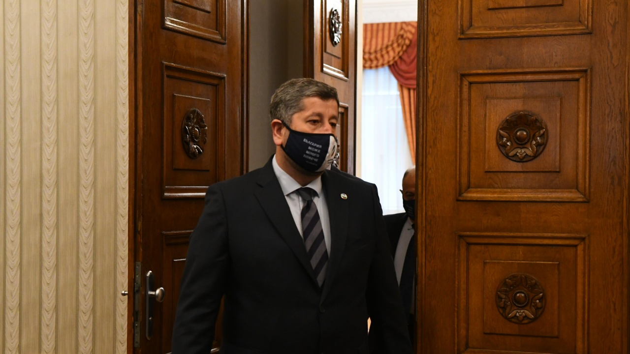 Христо Иванов към ГЕРБ: Да не би Борисов да се опасява от провал на изборите?