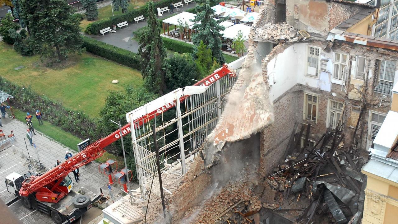 """Съдът: Няма виновни за срутената сграда на ул. """"Алабин"""""""